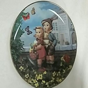M.I. Hummel Collector Plate